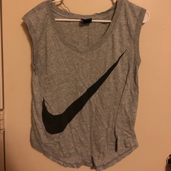 Nike Tops - Nike - workout tee - Small